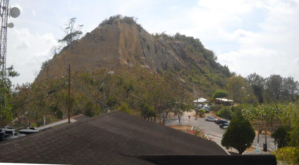 sando hill